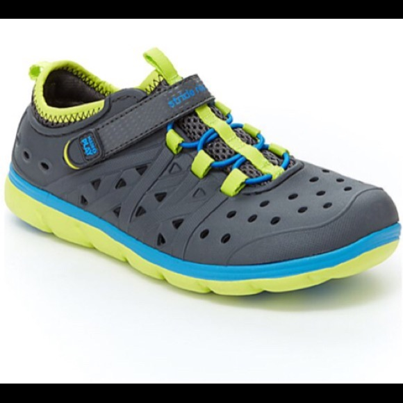 e765cfd9e2a NWOB Stride Rite Made2Play® Phibian Sneaker Sandal